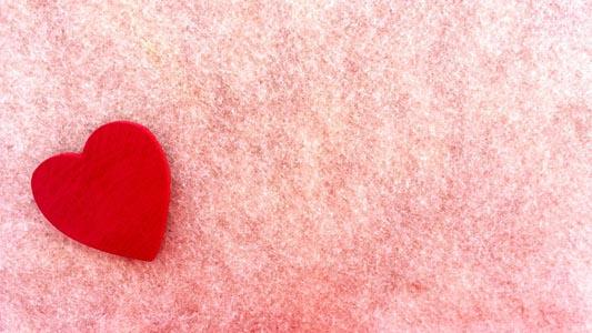 粉色背景红色心形