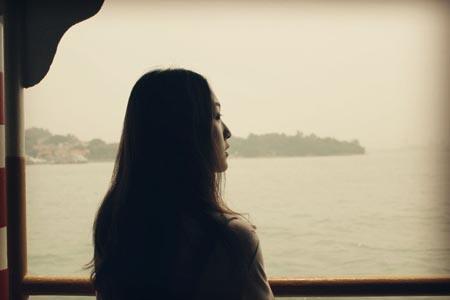 看海的美丽女人