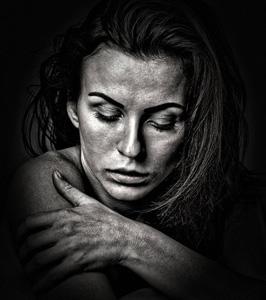 欧美女性黑白照片