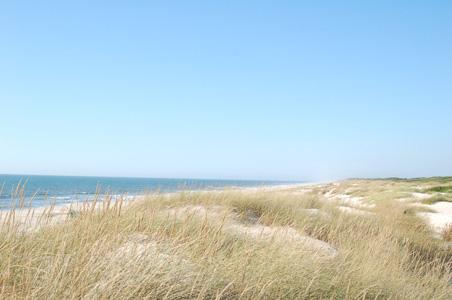 蓝天大海沙滩美景摄影