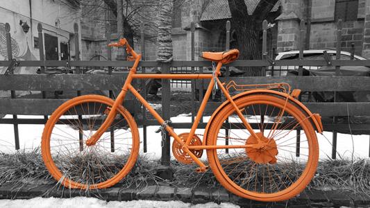 橙色自行车背景