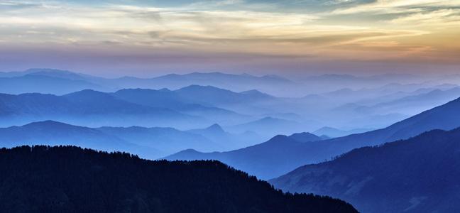 连绵不断的山
