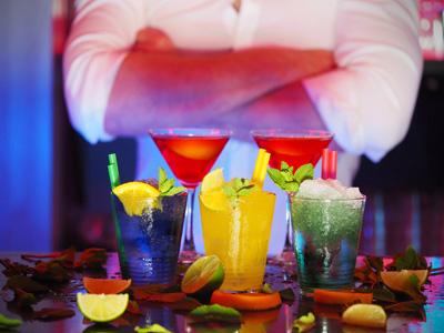 果汁饮料与人物摄影