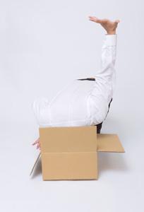 纸箱与人物摄影